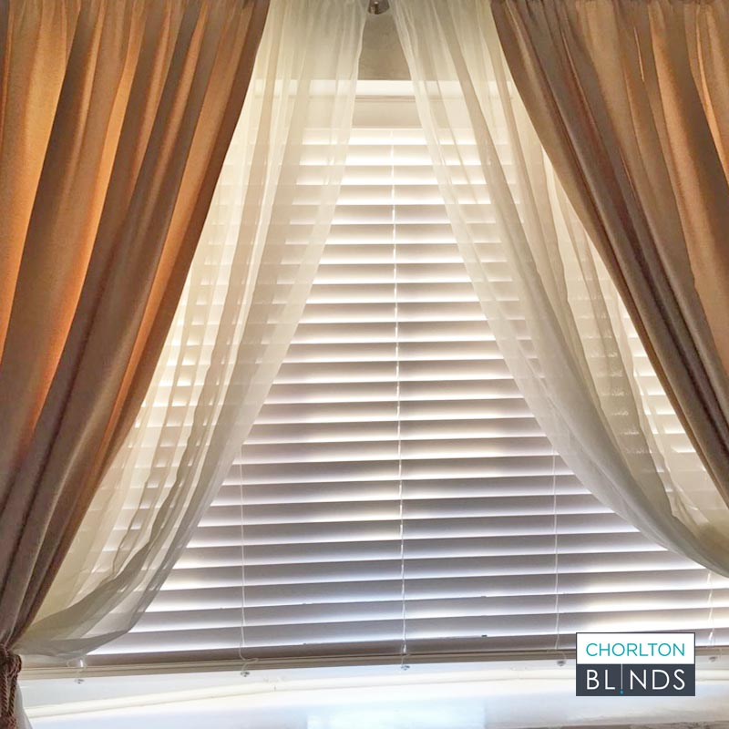 Blinds, Voiles and Curtains Combined on The Same Window
